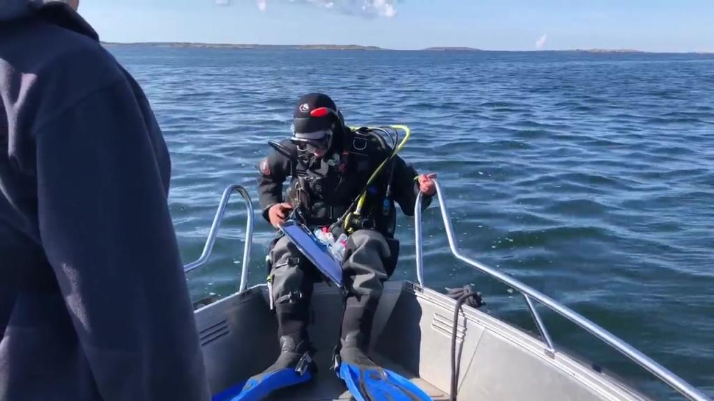 Dykare dokumenterar på Kökar