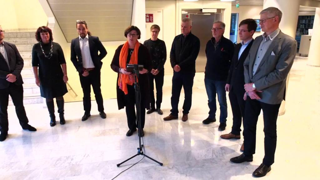 Ålandstidningens live stream - 20 Nov Nya ministrarna presenterades