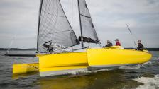 KISS T30 Carbon – en racer för cruising